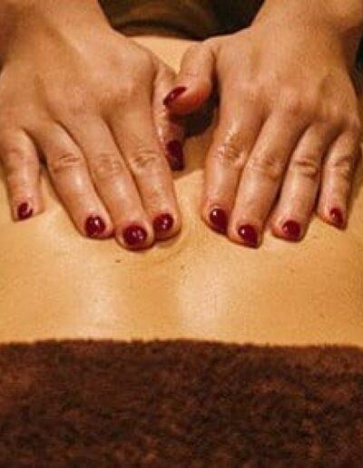 manicuraypedicuraspavalencia-extensionesdepestañas-masajes-uñaspolygel-manicura-microblading-masajesrelajantes-depilación